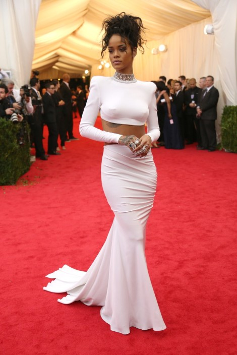 Rihanna in Stella McCartney. Simply radiant!